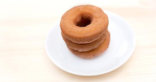重ねられたドーナッツ